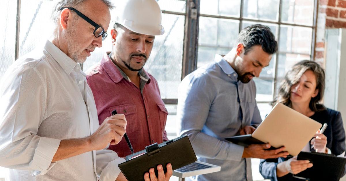 Compliance-obligations-team-construction